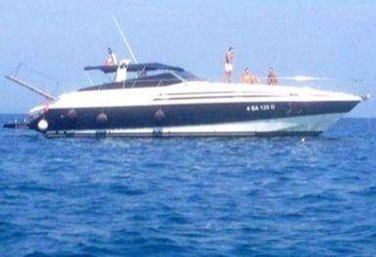 Rent Me: La barca vista dal gommoncino