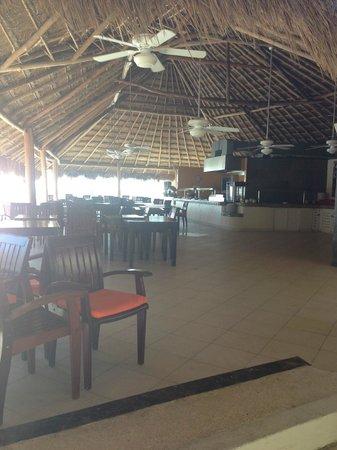Desire Riviera Maya Resort : Pool grill