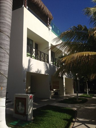 Desire Riviera Maya Resort : Rooms below the Jacuzzi