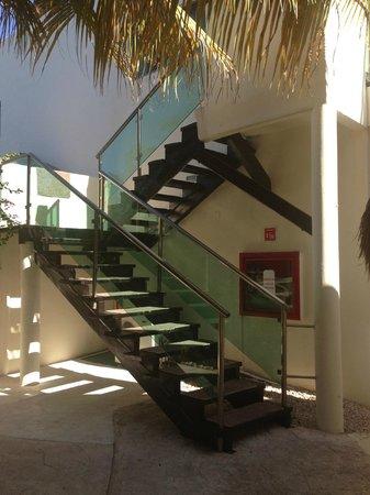 Desire Riviera Maya Resort : The good stairs to the disco