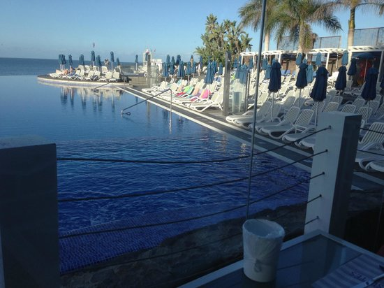 Marina Suites : pool view from breakfast area