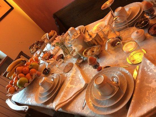 B&B Sanzenetto: Tavola della colazione