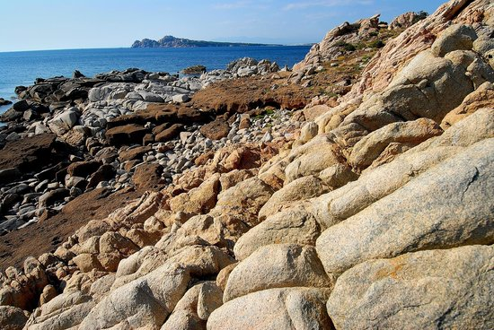 La Chicca Di Francesca: trekking along the coast: a sight of Capo Testa form south