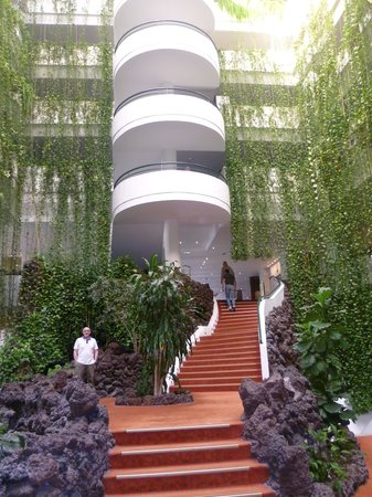 H10 Taburiente Playa: the atrium