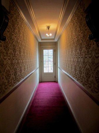 Stanley Hotel: Hallways.....spooky!