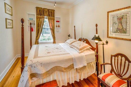 Farnsworth House: Bougainvillea Room