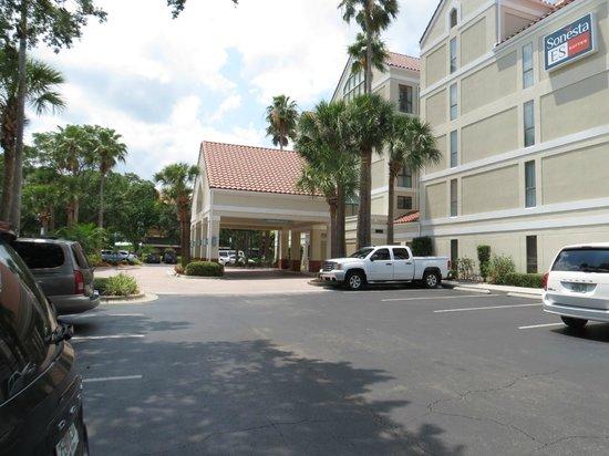 Sonesta ES Suites Orlando : estacionamento