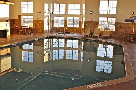 Arbuckle Lodge Gillette: pool area