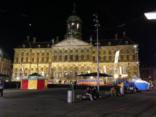 Holiday Inn Express Amsterdam-Sloterdijk Station: heart of dam