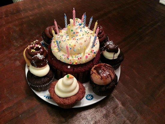Cupcake DownSouth: Birthday Cupcakes