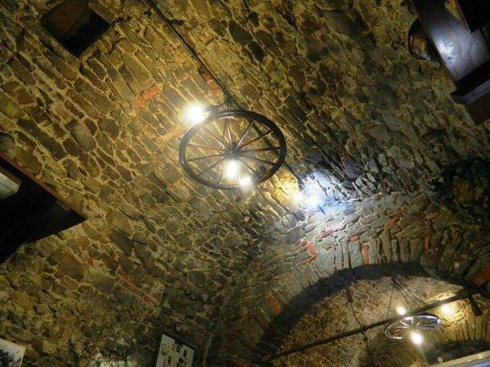 Il Grottone: particolare del locale