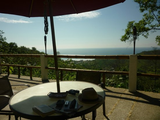 Samai Ocean View Lodge Spa : The afternoon view from the terrace