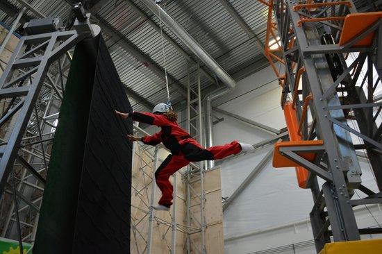 Sender One Climbing : Velcro Jump