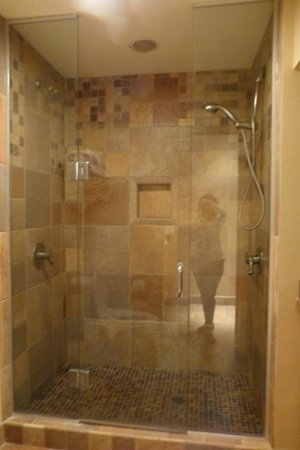 Hallmark Resort & Spa Cannon Beach : Our 2-person shower with individual controls!  KING SPA room only