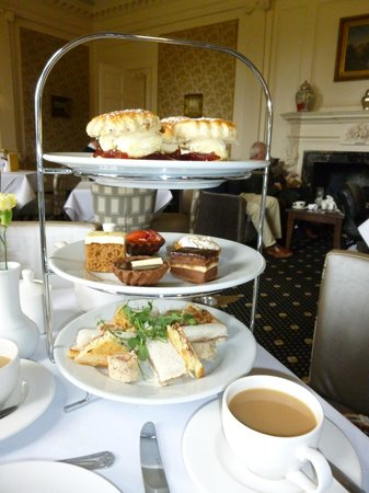 Warner Cricket St. Thomas Hotel: Afternoon tea in Cricket House