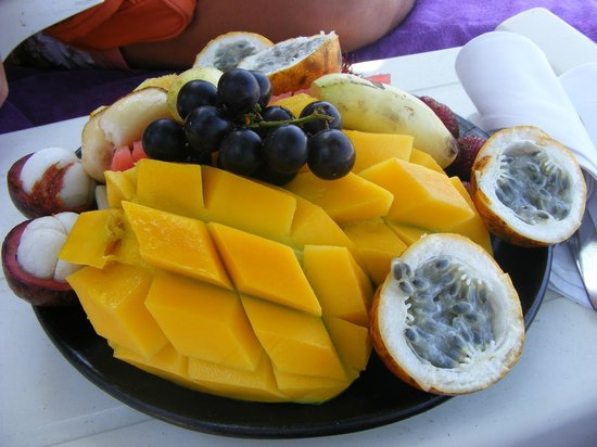 fruta na praia