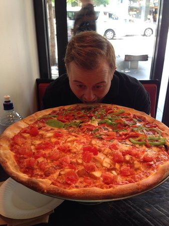 Sal's Authentic New York Pizza: Delicious!!! Half pepperoni, half vego with pepperoni added
