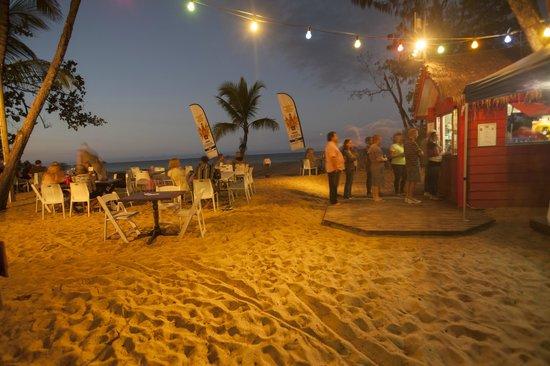 Kewarra Beach Resort & Spa: Friday night on the beach