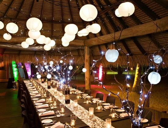 Kewarra Beach Resort & Spa: Private dinner setup on the beach
