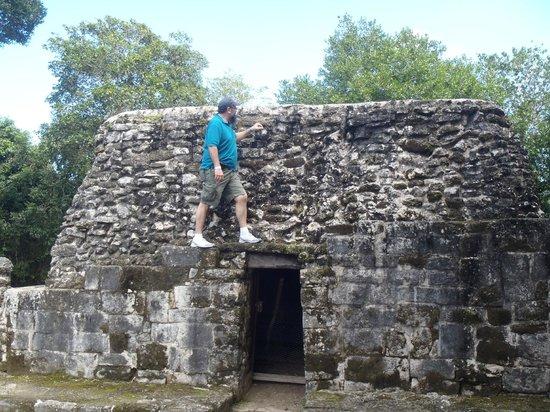San Gervasio Mayan Archaeological Site: standing tall