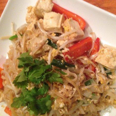 Thai Arroy: Tofu rice noodles