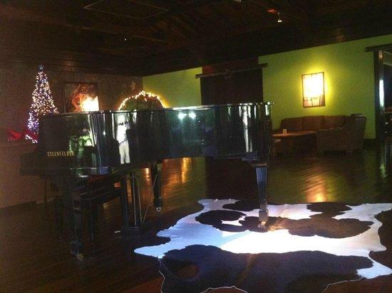 San Martin Resort & Spa: Piano Bar