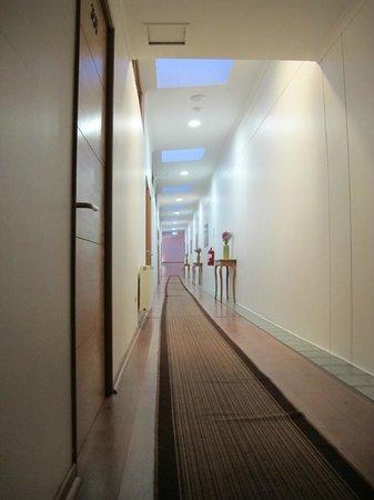 Hotel Loreto: Hallway on 3rd floor