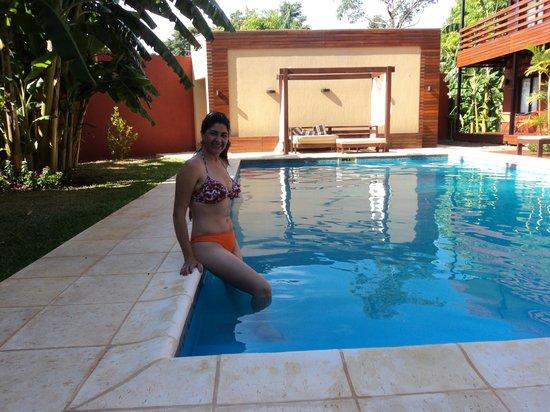 Costa Iguazu Apart Hotel: EN LA PISCINA