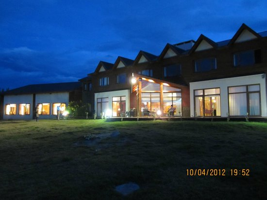 Rochester Hotel Calafate: Hotel Back View