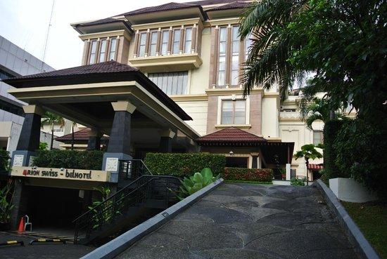 Arion Swiss-Belhotel Bandung: Entrance