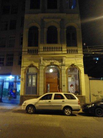 Kariok Hostel : Fachada del hotel