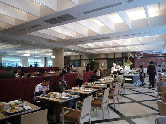 Cerulean Tower Tokyu Hotel: ビュッフェの朝食会場。美味である
