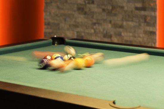Atlantis Sports Lounge: Break