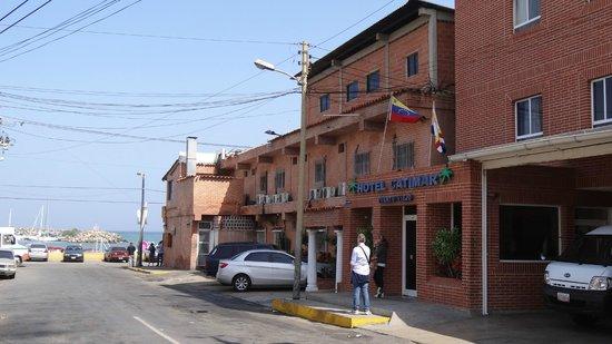 Hotel Restaurant Catimar: Foto del frente del hotel