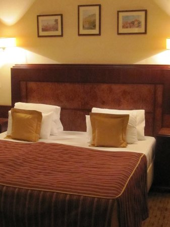 Hotel Majestic Plaza Prague: King Size bed