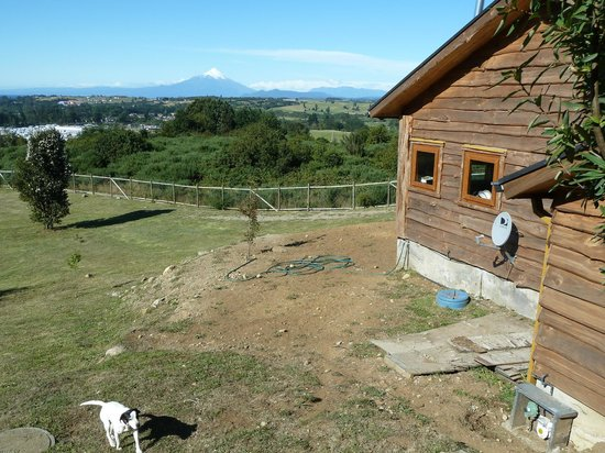 Krause Lodge: View of the side of the cabin toward Volcan Osorno