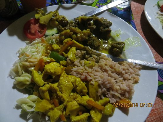 Sweet Spice Restaurant: Curried Goat and Chicken Dinner
