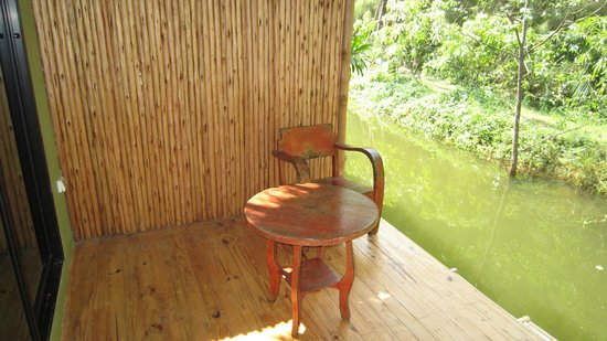 Asita Eco Resort: Terrace on the river