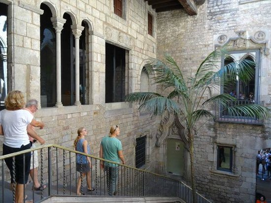 Museo Picasso: Leaving Museum area