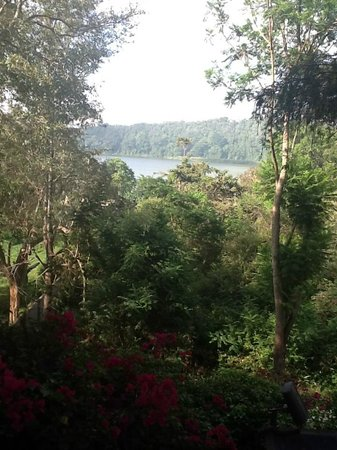 Lake Duluti Serena Hotel: The nearby lake