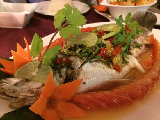 Bussaba Thai Restaurant : This is a must try dishes, steam fish with lemon and garlic and ginger sauce. Very nice though a
