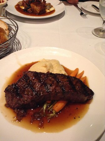 Mohonk Mountain House : steak dinner/looks good-but problems