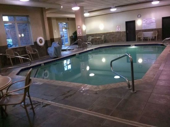 Drury Inn & Suites Flagstaff: In door pool and hot tub....very nice!
