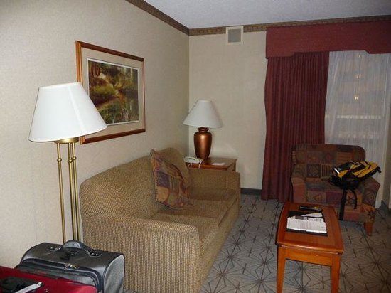 Embassy Suites by Hilton Portland Airport: Sofa Bed