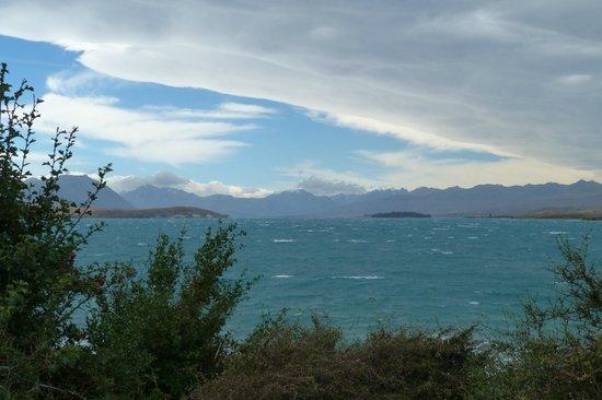 Lake Tekapo Motels & Holiday Park : View of Lake Tekapo