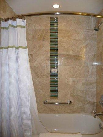 Loews Miami Beach Hotel: Detail in Bathroom