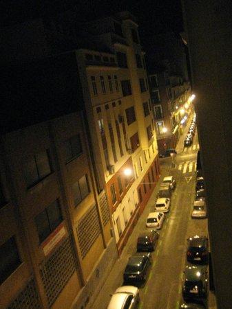 Suites Viena – Plaza de España : Calle