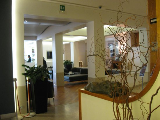 Best Western Plus Hotel Bologna: Hall Hotel