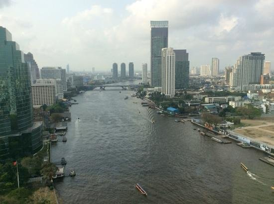 Royal Orchid Sheraton Hotel & Towers: Towers Suite view