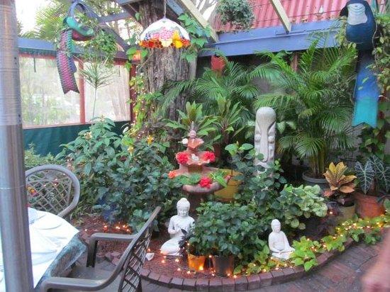 The Jacaranda Restaurant: Atrium flowers